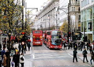 Oxford Street by Ysangkok | commons.wikimedia.org